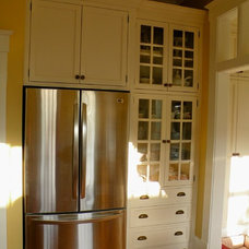 Traditional Kitchen by Floridian Design Custom Cabinetry
