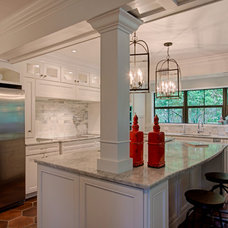 Traditional Kitchen by SUNDANCE CONTRACTING