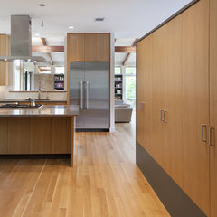 modern  by Furman + Keil Architects