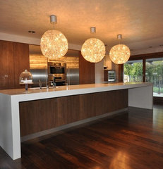 contemporary kitchen by Globus Builder