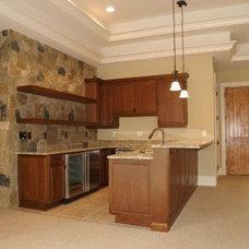 Kitchen by Grainda Builders, Inc.