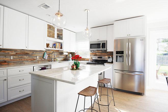 Современная классика Кухня Kitchen/Great Room Remod