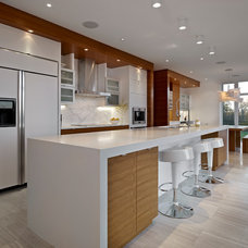 Contemporary Kitchen by Habitat Studio