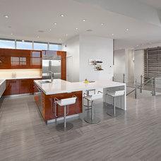 Contemporary Kitchen by Habitat Studio