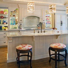 traditional kitchen by Hermitage Kitchen Design Gallery