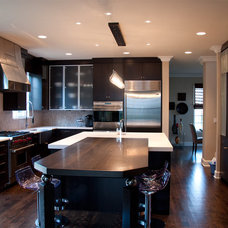 Modern Kitchen by Letitia Holloway