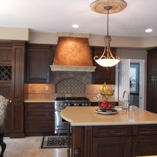 Traditional Kitchen by Interior Art