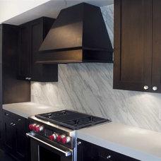 Modern Kitchen by I love Kitchens