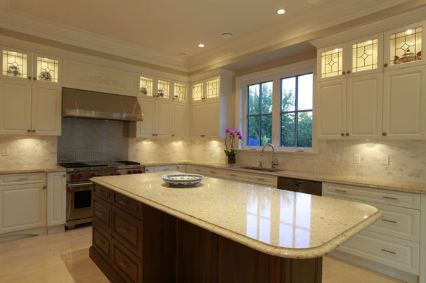 Traditional Kitchen by I love Kitchens