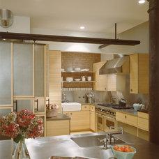 Modern Kitchen by Ike Kligerman Barkley