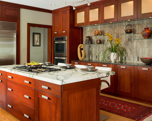 Transitional Kitchen with Medium Tone Wood Cabinets Design Ideas & Remodel Pictures | Houzz