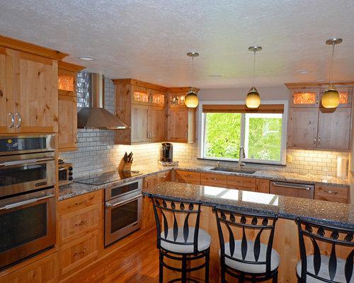 k chen mit blauer k chenr ckwand und doppelwaschbecken ideen bilder. Black Bedroom Furniture Sets. Home Design Ideas