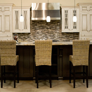Inspiration for a traditional kitchen in Houston.