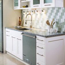 Modern Kitchen by Vetrazzo