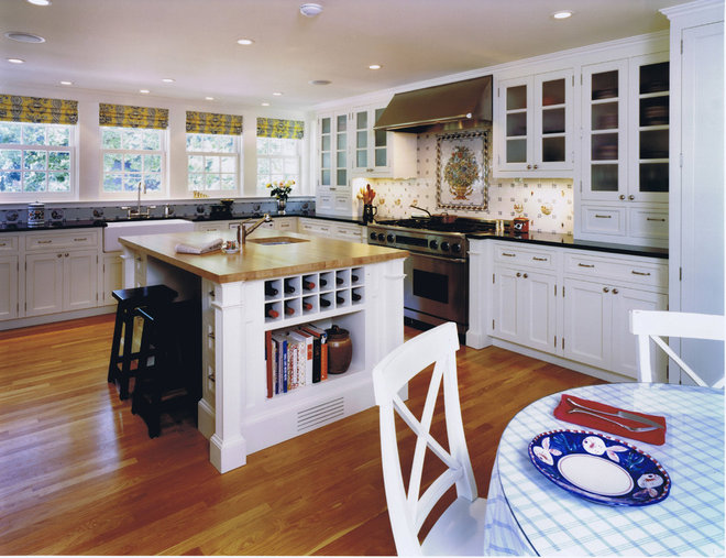 Traditional Kitchen Kitchen Island 4