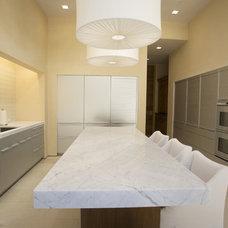 Contemporary Kitchen by De Mattei Construction
