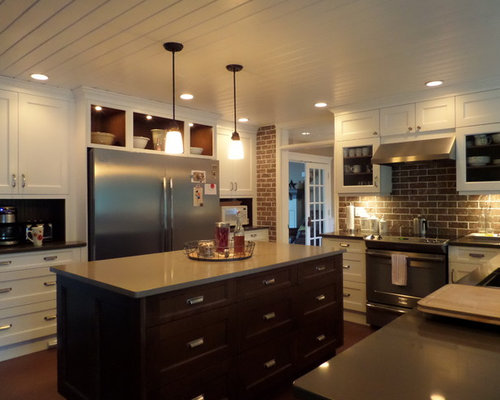 Mid Sized Eat In Kitchen Design Ideas Renovations