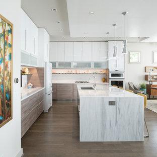 Kitchen Island in Modern Urban Home