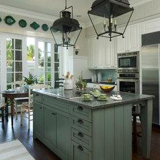 Traditional Kitchen by L K DeFrances & Associates