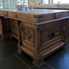 Traditional Kitchen by Mark Downing