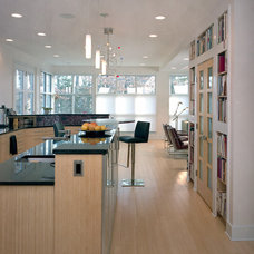 Contemporary Kitchen by Sophie Piesse Architect, PA