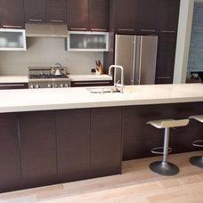 Modern Kitchen by Sven Lavine Architecture