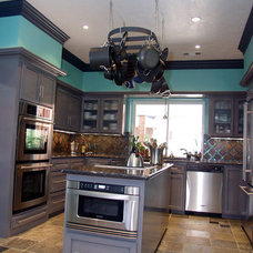 Modern Kitchen by GB General Contractors
