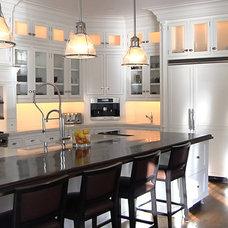 Traditional Kitchen by Jablonski Associates