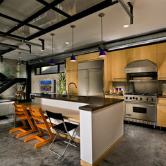 modern kitchen by Jeannette Architects