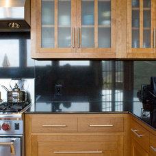 Contemporary Kitchen by Jochum Architects
