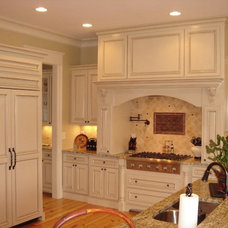 Traditional Kitchen by John Bynum