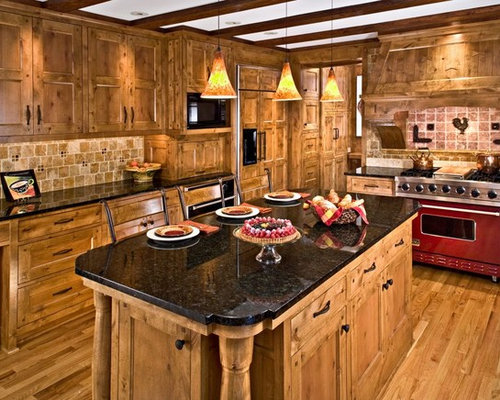 Wonderful Traditional Kitchen Idea In Minneapolis With Colored Appliances