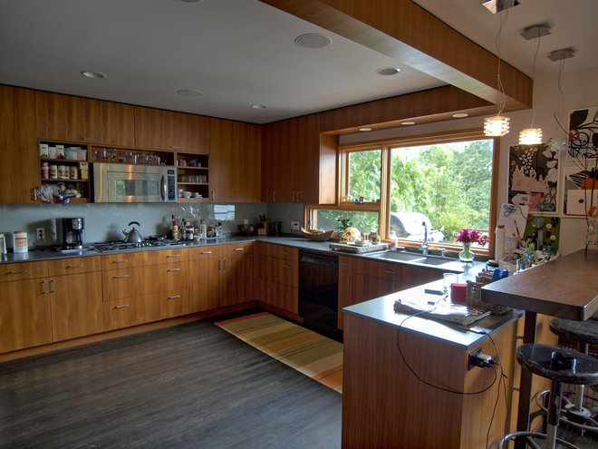 Contemporary Kitchen by John Prindle
