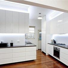 Modern Kitchen by K+ARchitects