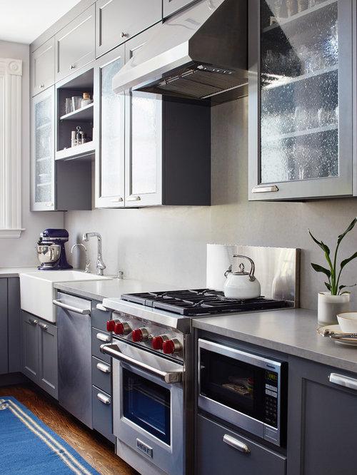 cuisine victorienne avec un plan de travail en b ton photos et id es d co de cuisines. Black Bedroom Furniture Sets. Home Design Ideas