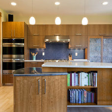 Modern Kitchen by 2fORM Architecture
