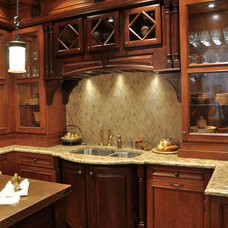Traditional Kitchen by Keeler