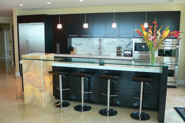 Contemporary Kitchen by Kenneth Fromme