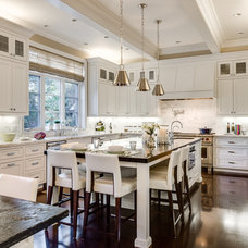Traditional Kitchen by KL Interiors