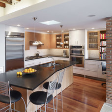 modern kitchen by Krieger + Associates Architects Inc