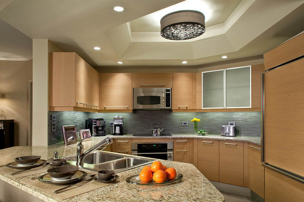 Contemporary Kitchen by KuDa Photography