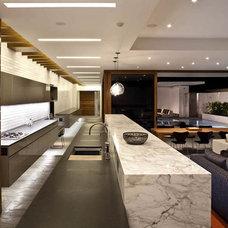 Modern Kitchen by Laidlaw Schultz architects