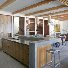 Beach Style Kitchen by Laidlaw Schultz architects
