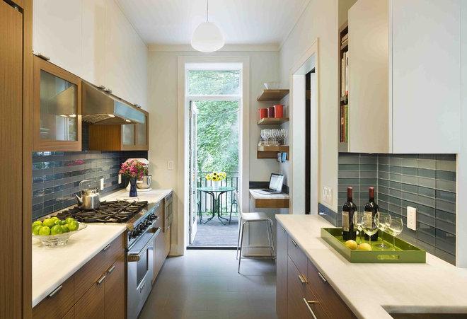 Modern Kitchen by Laurie Lieberman Architects