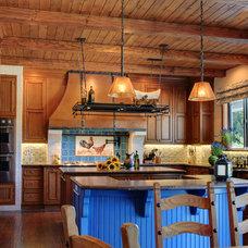 Traditional Kitchen by Steven Handelman Studios