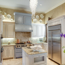 Traditional Kitchen by Lori Rourk Interiors Inc.