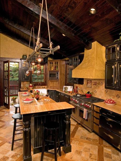 Cucina in montagna con top in pietra calcarea - Foto e Idee per ...