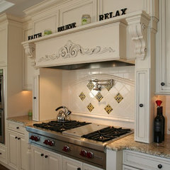 traditional kitchen by Mike Cavallaro