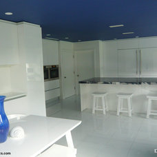 Contemporary Kitchen by Atlantic Construction Consulting