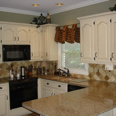 Traditional Kitchen by CdesignS